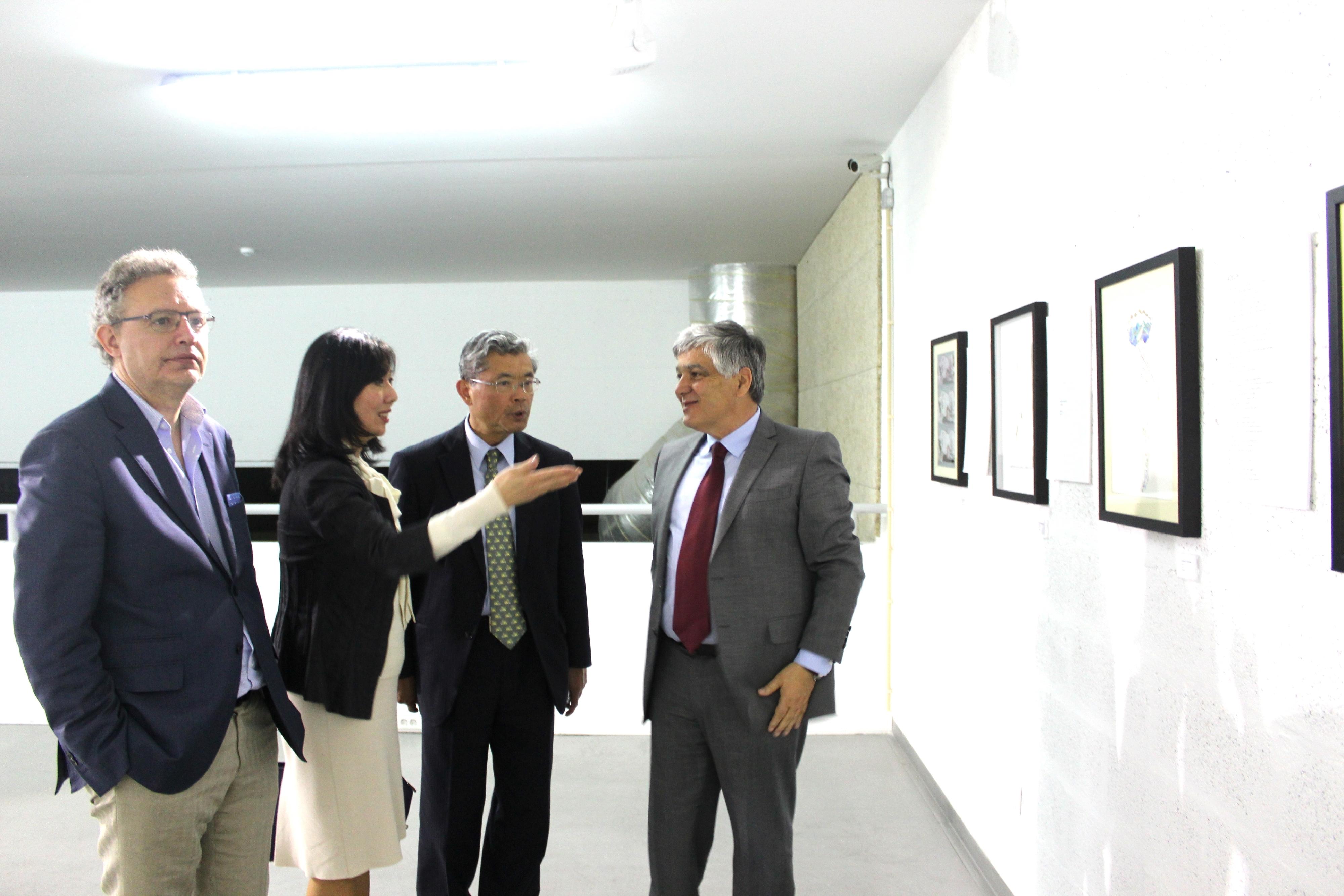 Embaixador do Japão na Inauguração exposições de Homenagem aos artistas Eugénio de Andrade e Victorino D'Almeida