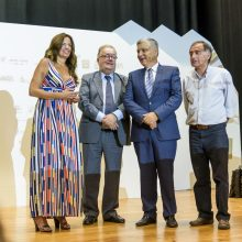 Ministro da Cultura promete continuar a apoiar a bienal de arte mais antiga do país